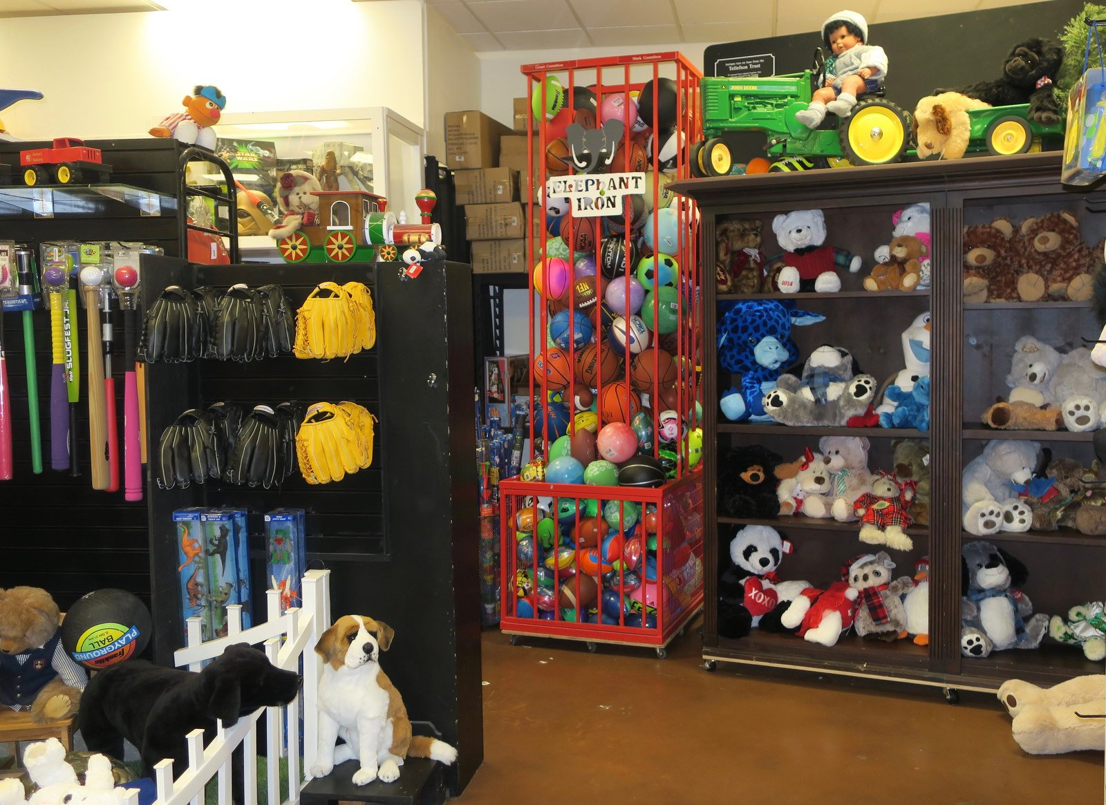 Santa Barbara Moving and Storage Company Offers Holiday Storage